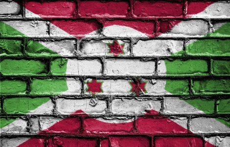 Burundi flag painted on wall
