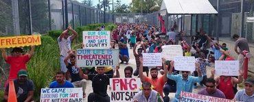 Men on Manus protesting