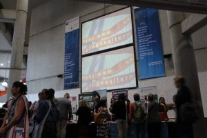 Conference_hall_refugeealternatives_signn