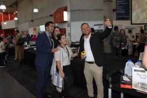 Delegates_taking_selfie